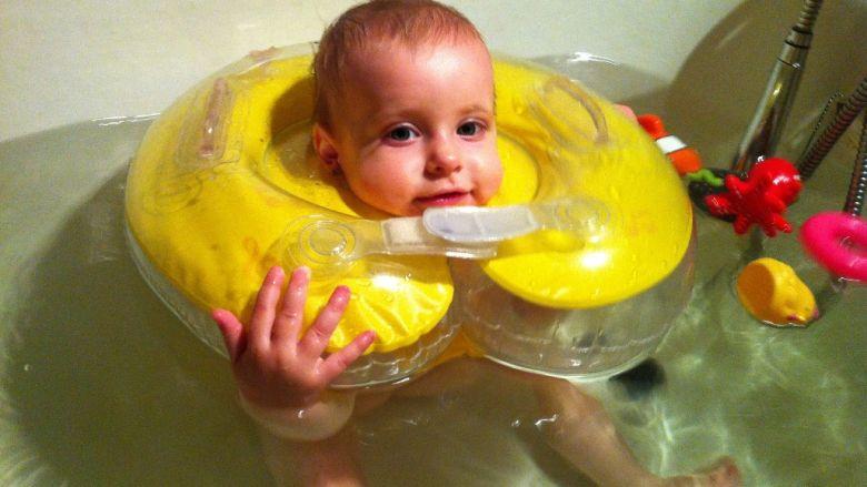 bebelus inot colac